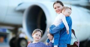 Lo-que-necesitas-sabes-antes-de-viajar-en-avión-con-tu-bebé