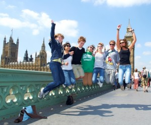 london-sightseeing-jump
