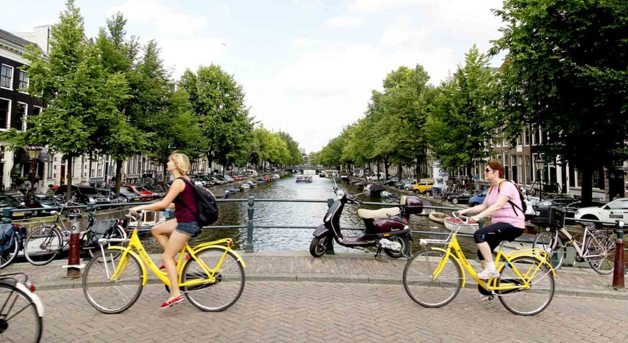 yellow-bike-amsterdam-230117.original